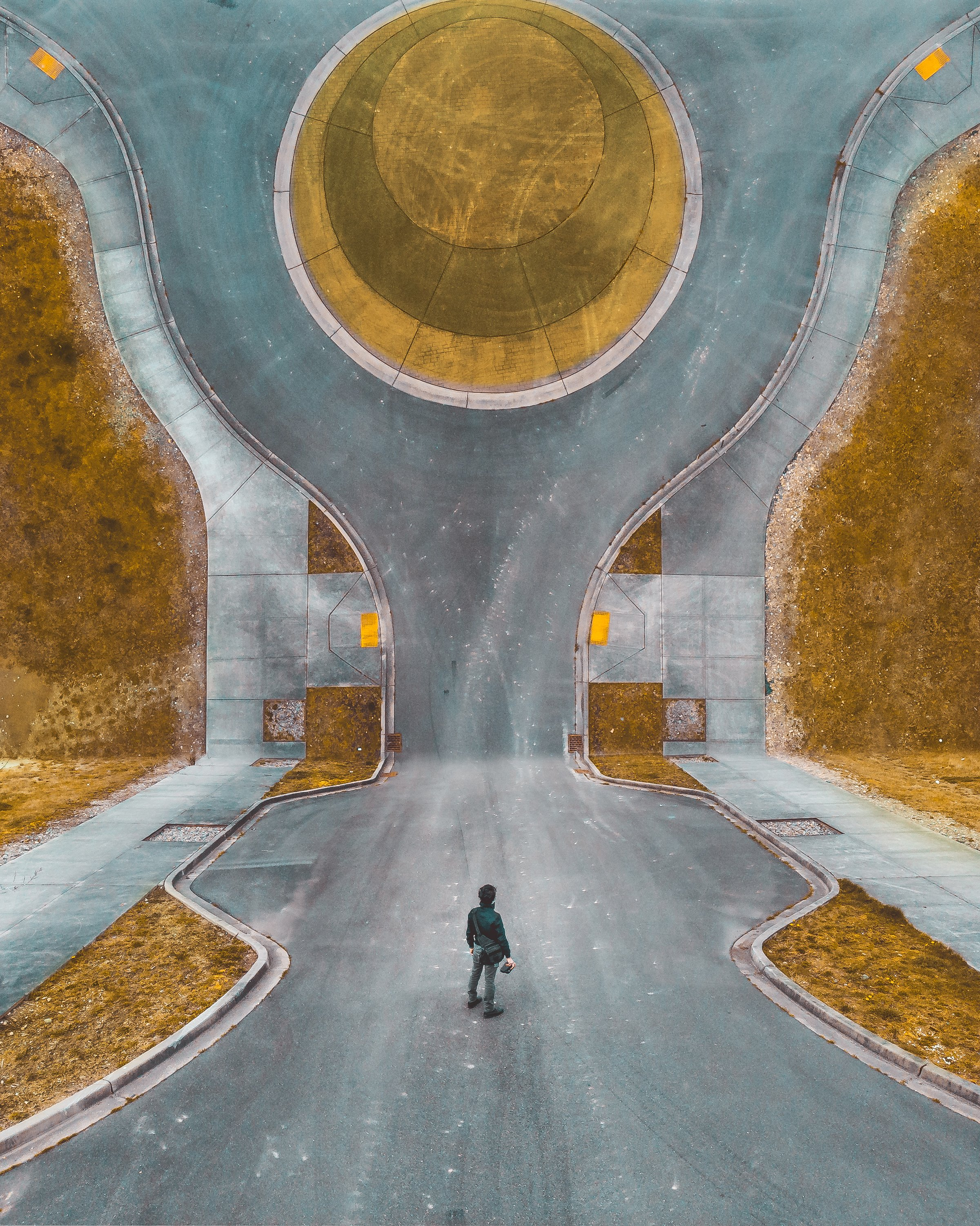 abstract-image-of-man-standing-in-road_4460x4460